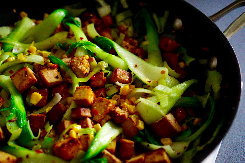 Chili Tofu mit Pak Choi