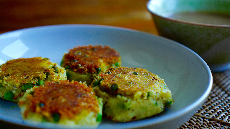 Kartoffel-Küchlein mit Dattel-Tamarinden-Sauce